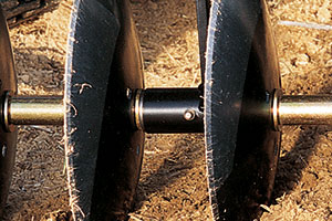 garden tractor sleeve hitch steel discs